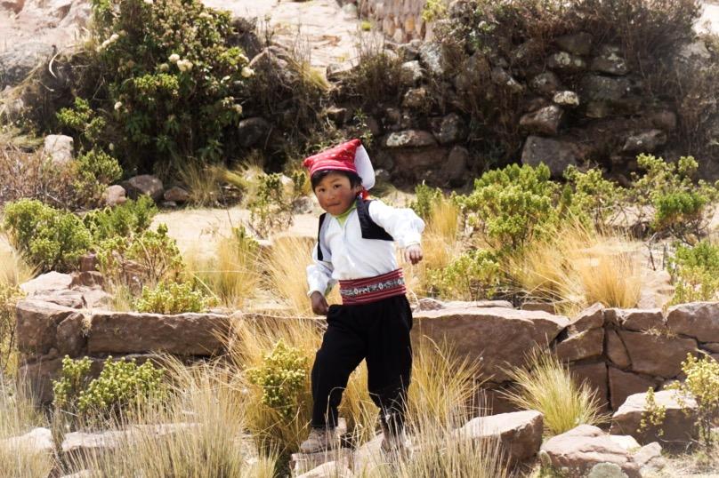 Bambino sull'Isla Taquile