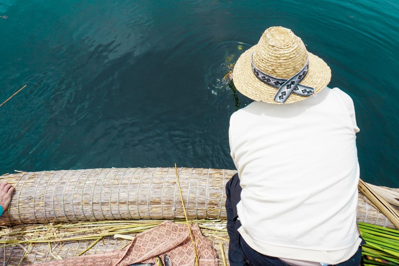 Edgar mentre pesca